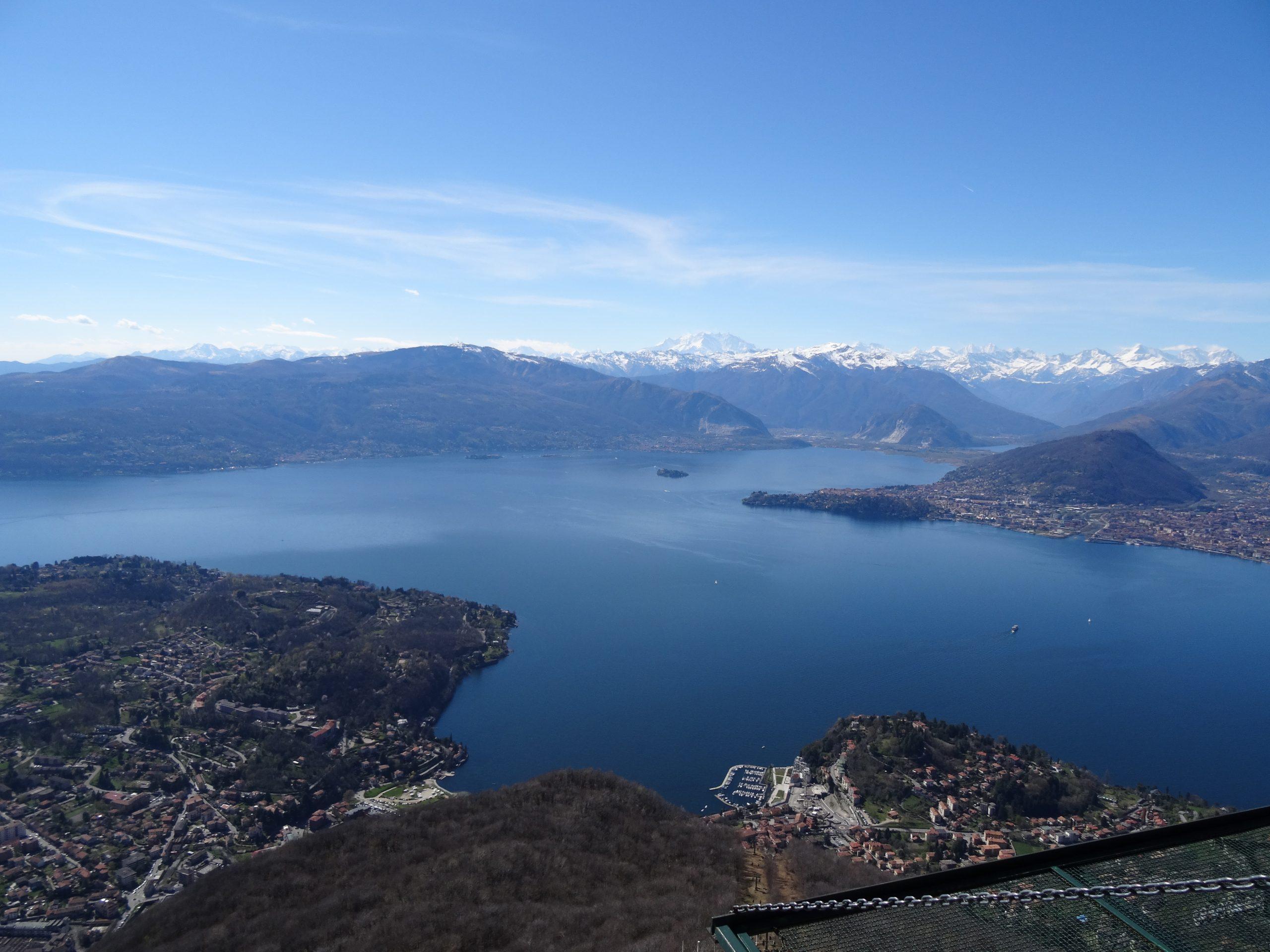 Passeggiate al lago: Vista sul Lago Maggiore e Monte Rosa