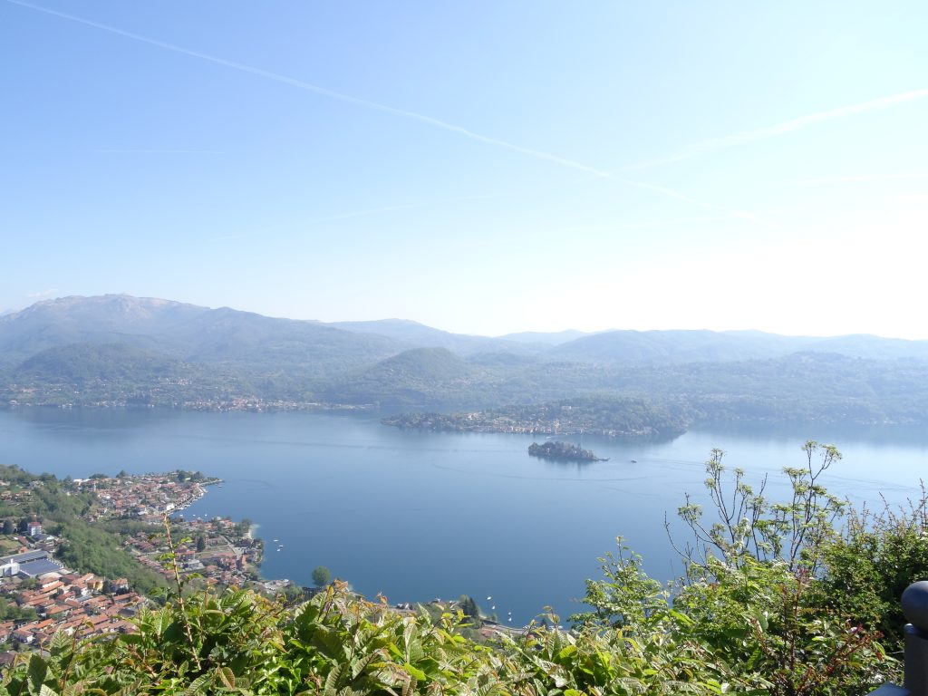 Vista panoramica sul Lago d'Orta dal Santuario della Madonna del Sasso